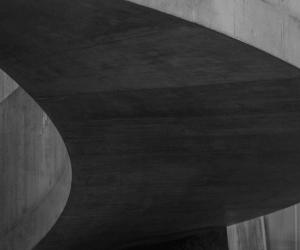 zoomed in concrete bridge