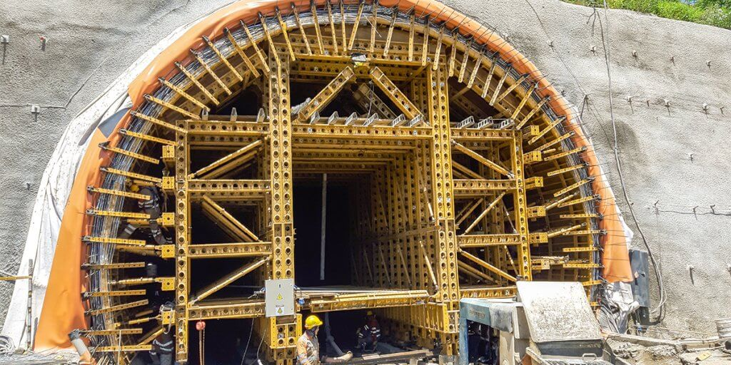 EFCO Formwork at Mulatos Tunnel, Bolombolo, Antioquia, Colombia